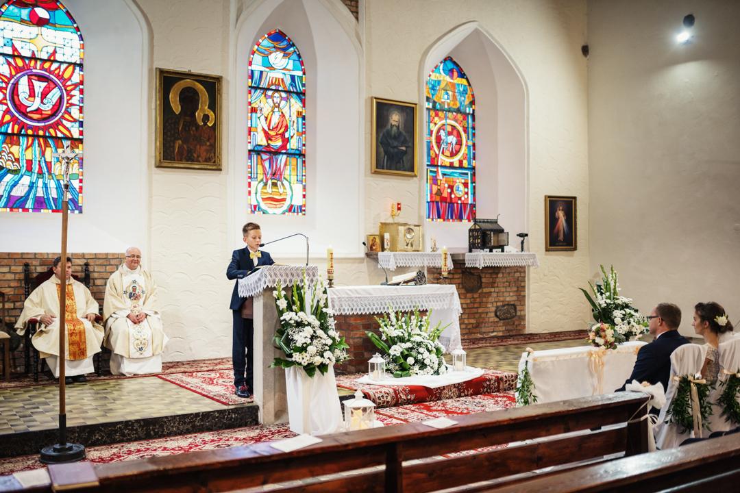 wnętrze kościół kuty